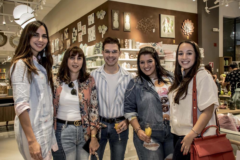 Alessandra Bueno, Cecilia Migliano, Rafael Cordero, Piky Zubieta, María José Grimaldo