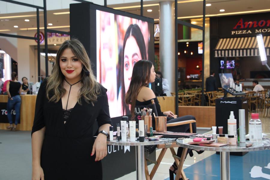 Muchos aprendieron en el Demo en vivo de maquillaje junto a Miranda makeup Art