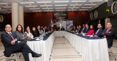 """Conversatorio """"Lucha contra la corrupción, diálogo entre comunicadores sociales y lanzamiento del compendio de Ética Empresarial de ICC Panamá"""""""