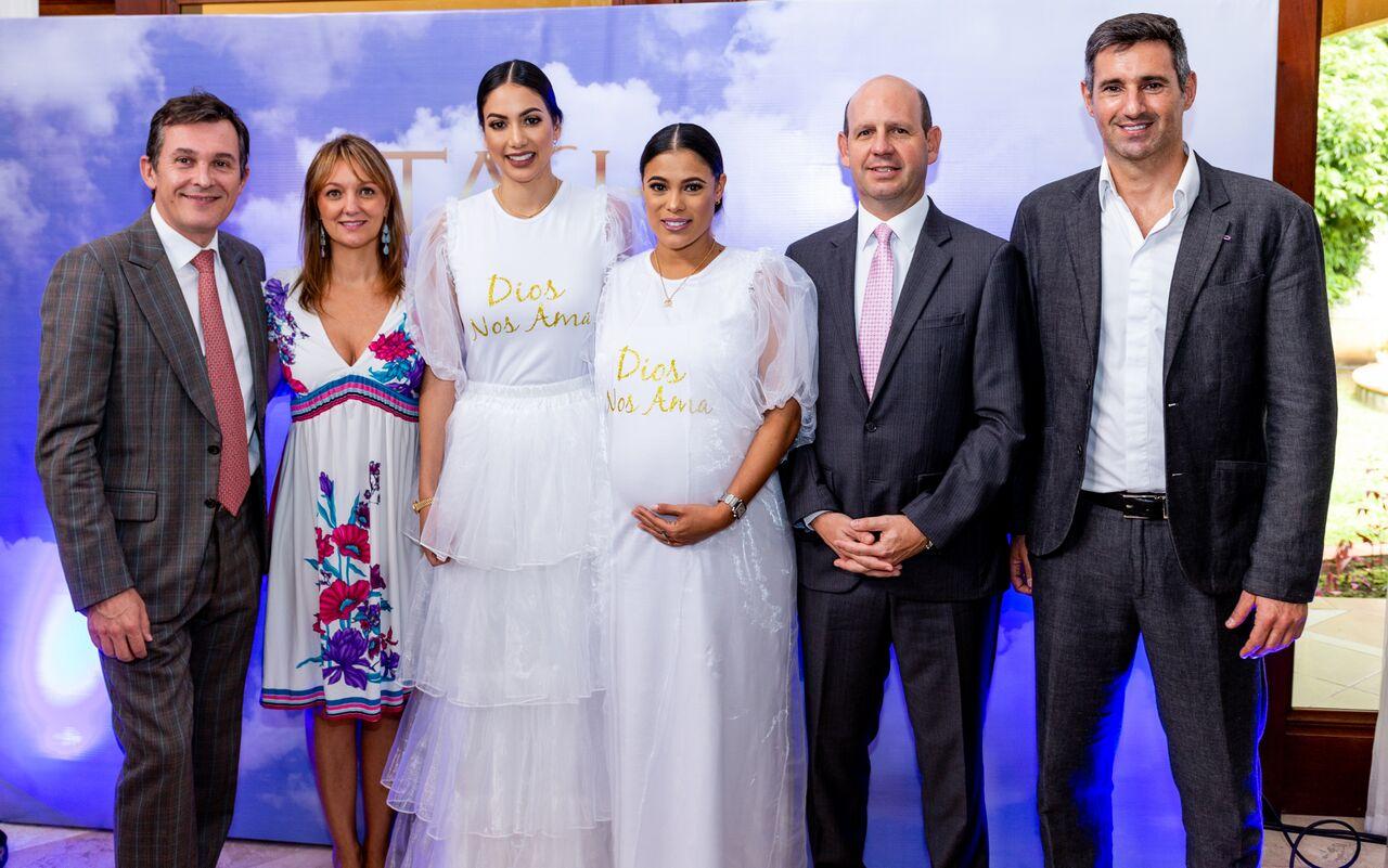 Sr, Brice Roquefiel (Embajador de Francia ) Ana María Vasquez, Carolina Brid, Tatiana Peña, Sr. Juan Carlos Morales ( Embajador de Colombia), Fabio Rovigatti