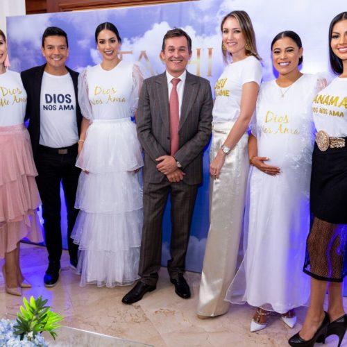 (izquierda a derecha) Analía Nuñez, Roly Sterlyng,Carolina Brid, Sr. Brice Roquefiel (Embajador de Francia), Stefanie de Roux, Tatiana Peña ( DIrectora Creativa TASHI),  Rosa Montezuna