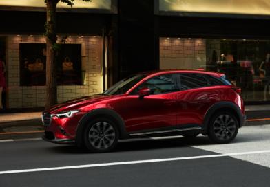 """Un carro """"Mazda"""" en Panamá"""