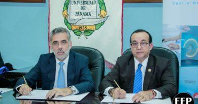 Centro Médico Paitilla y la Universidad de Panamá se unen para contribuir en la preparación de los futuros profesionales de la medicina en Panamá