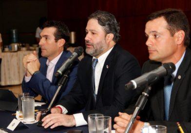 Empresarios de la CCIAP se reúnen con ministro consejero de facilitación de la inversión privada