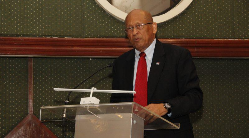 CCIAP recibe en cortesía de sala a ministro de Economía y Finanzas